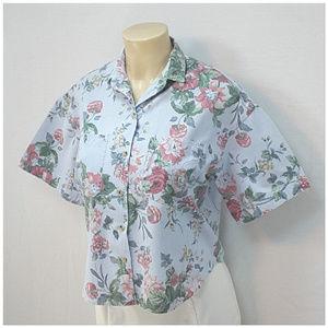AT LAST & COMPANY, Floral Top, size Medium!